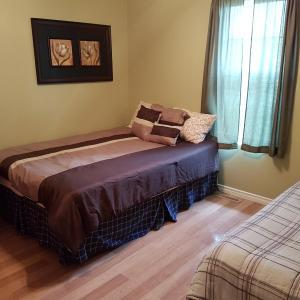 Hotel Pictures: Pine Tree Inn Bonnyville, Bonnyville
