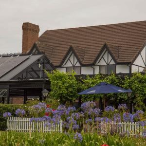 ホテル写真: Mick O'Sheas, Hackham