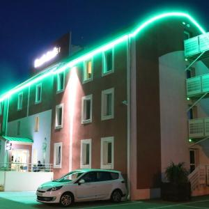 Hotel Pictures: Fasthôtel Nîmes Ouest, Aimargues