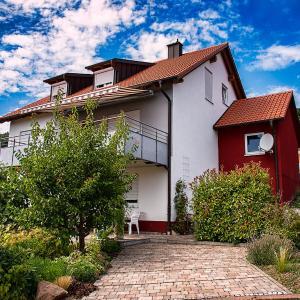 Hotel Pictures: Ferienwohnung Viabella, Pleisweiler-Oberhofen