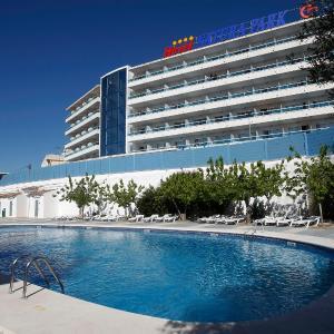 Hotel Pictures: Hotel Natura Park, Comarruga