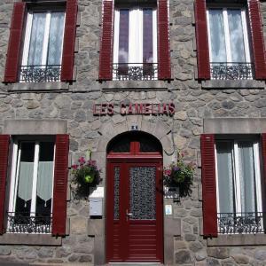 Hotel Pictures: Les Camélias, Le Mont-Dore