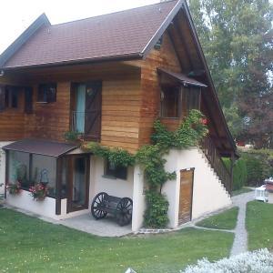 Hotel Pictures: Romantic Studio Vacances, Labaroche