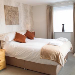 Hotel Pictures: Stunning Copper Quarter Apartment, Swansea