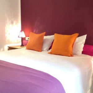 Hotel Pictures: Sa Torre Cala Delta Apartment, Sa Torre