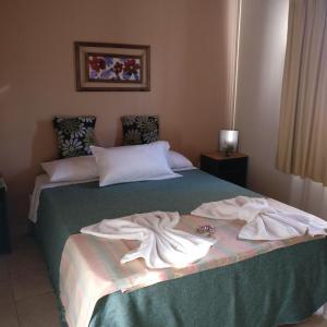 Hotel Pictures: Las Palmeras Complejo de Cabañas, Ranchos