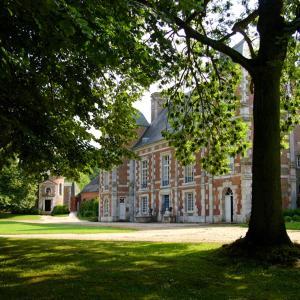 Hotel Pictures: Chambres d'hôtes: Château de Bonnemare, Radepont