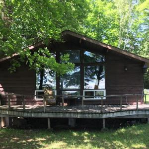 Hotel Pictures: Islandview Beach Cottage, Magnetawan