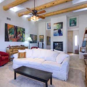 Hotel Pictures: Casa Vistoso Three-bedroom Holiday Home, Agua Fria
