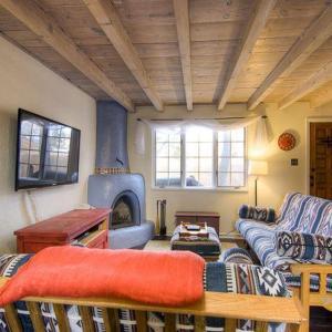Hotel Pictures: Casita Azul Two-bedroom Condo, Santa Fe