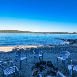 Hotel Pictures: Discovery Beach Villa, Campbell River