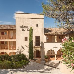 Hotel Pictures: Pierre & Vacances Hotel du Golf de Pont Royal en Provence, Mallemort