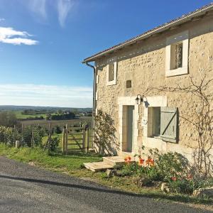Hotel Pictures: Le Catalpa, Manoir de Longeveau, Nabinaud
