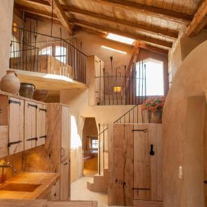 Hotel Pictures: Turm zu Schloss Schedling, Trostberg an der Alz