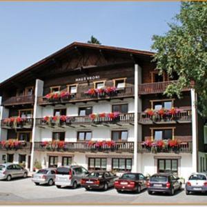 Hotel Pictures: Haus Vroni, Tannheim