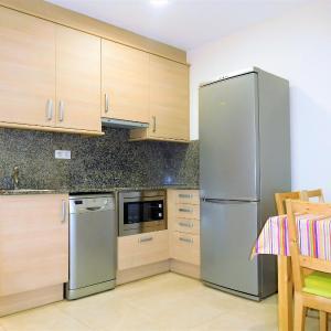 Hotel Pictures: Lleida Apartments IV, Lleida