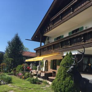Hotel Pictures: Ferienwohnungen Johanneshof, Schliersee
