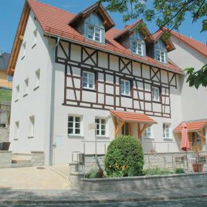 Hotelbilleder: Ferienhaus am Brunnen, Tiefenpölz