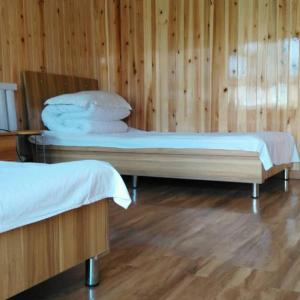 Hotel Pictures: Shenhu Inn, Burqin