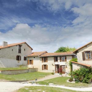 Hotel Pictures: Le Potager, Manoir de Longeveau, Nabinaud