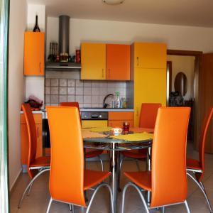 Hotellikuvia: Apartment Sandi, Novalja