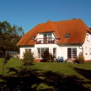 Hotel Pictures: Ferienwohnungen Holstenhagen RUeG, Tribkevitz