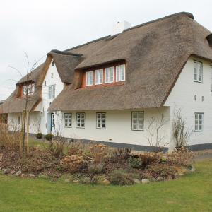 Hotel Pictures: Haus Föhr Ferienwohnung Look Ut, Borgsum