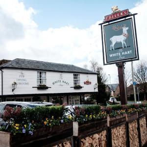Hotel Pictures: The White Hart, Stockbridge