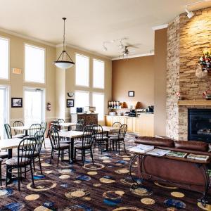 Hotel Pictures: Canadian Motel North Battleford, North Battleford