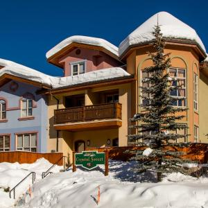 Hotel Pictures: Crystal Forest Condos - CF68, Sun Peaks