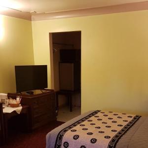 Hotel Pictures: Capri Motel, Port Colborne