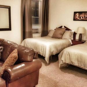 Hotel Pictures: Cozy Little Apartment, Gatineau
