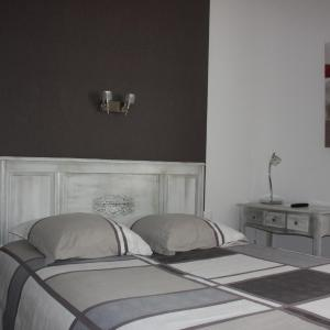Hotel Pictures: Hôtel le midi, Montaigu-de-Quercy