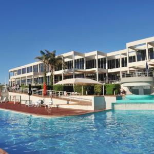 Photos de l'hôtel: Absolute Beachfront Opal Cove Resort, Coffs Harbour