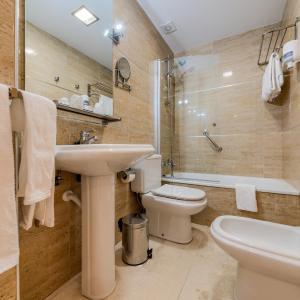 Hotel Pictures: Hotel Apartamentos Loto Conil, Conil de la Frontera
