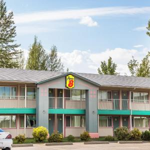 Hotel Pictures: Super 8 Quesnel, Quesnel