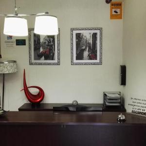 Hotel Pictures: Pension Iruna, Santurce