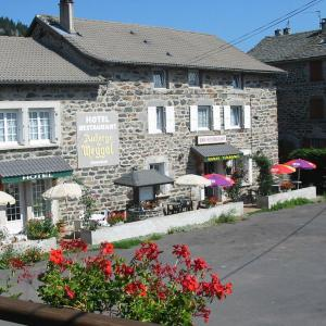 Hotel Pictures: Auberge du Meygal, Champclause