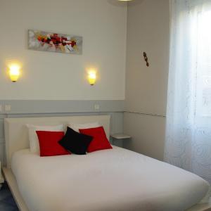 Hotel Pictures: hôtel la tour des fées, Quissac
