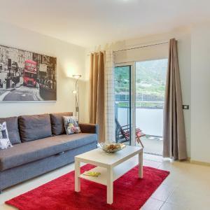 Hotel Pictures: Apartamento Montalmar, Bajamar
