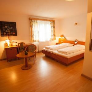 Hotel Pictures: Gasthof Pöchhacker, Steyr