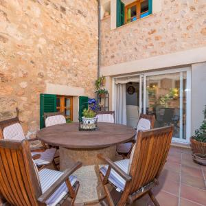 Hotel Pictures: Amarant, Fornalutx