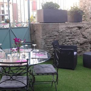 Hotel Pictures: Le Vs, La Livinière