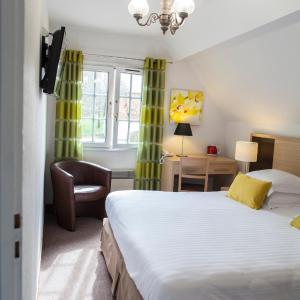Hotel Pictures: Hotel Ferme De La Raterie, Wierre-Effroy
