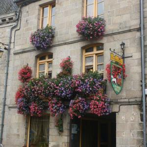 Hotel Pictures: Chambres d'Hôtes A la Garde Ducale, Moncontour