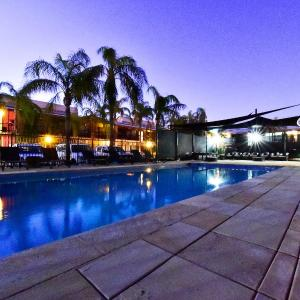 Hotel Pictures: Diplomat Motel, Alice Springs