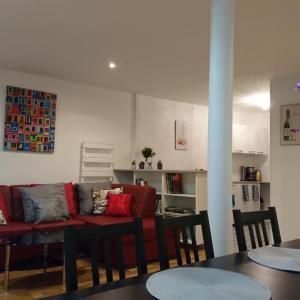 Hotel Pictures: Charming Flat in Paris - Villette, Paris