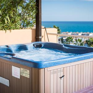 Hotel Pictures: Malibu Mancion Condo #1, Mijas