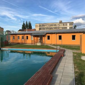 Hotel Pictures: Ubytovna Na Sadkach, Strakonice
