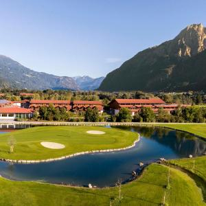 Hotel Pictures: Dolomitengolf Hotel & Spa, Lavant